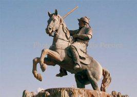 yaqub-layth-statue[1]
