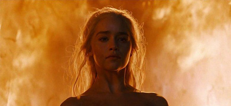 Daenerys the Unburnt FEAT e1565701409520 780x358 - تحلیل و بررسی تمام رویاها و الهاماتی که دنریس در خانه نامیرایان دید
