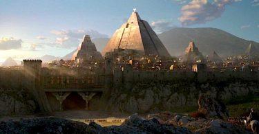 GoT Pyramid 375x195 - صحبتهای جدید مارتین درباره اسپین آف های سریال