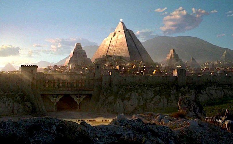 GoT Pyramid 810x500 - کتاب پنجم - فصل ۳۰ - دنریس
